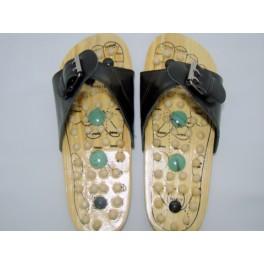 Papuci reflexoterapeutici din lemn (cod R22)