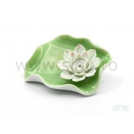Suport betisoare parfumate cu floare de lotus alb si roz (cod F102)